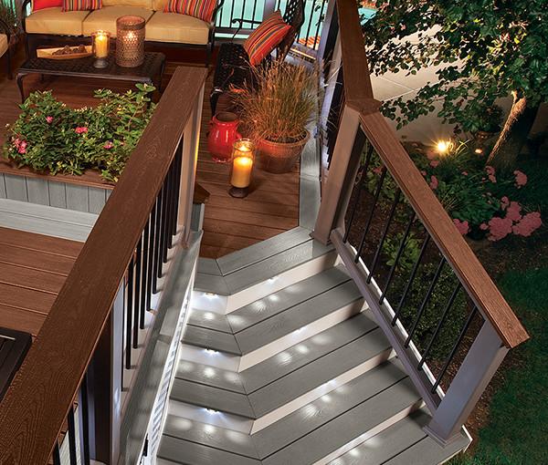 Custom-Stairs_Body-Copy-Photo-600x510